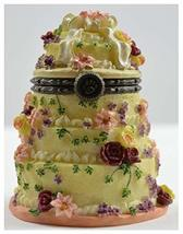 Forever Love Wedding Cake with Bride & Groom - $13.00