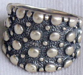 Dots ring