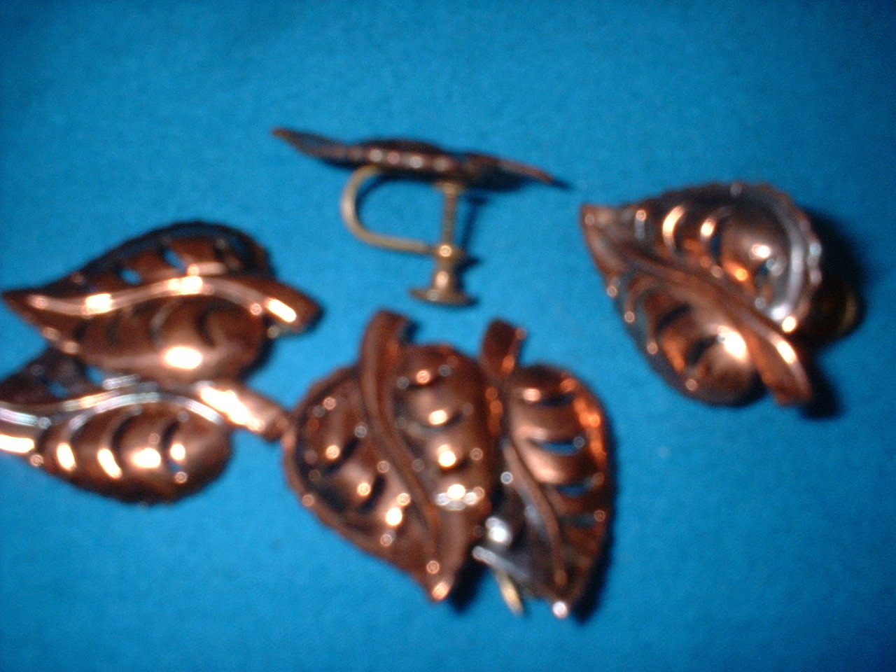 Vintage  Jewelry Copper Leaf Pins & Earrings set
