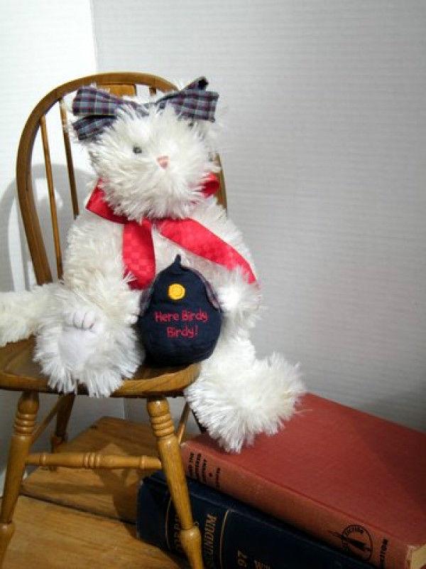 """Boyds Bears """"Chris B Trickypuss""""  #93520V- 11"""" QVC Elclusive Cat -NWT- 2004"""