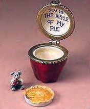 "Boyds Treasure Box ""Miss MacIntosh's Apple with Corey"" #392152- 1E- New-Retired image 1"