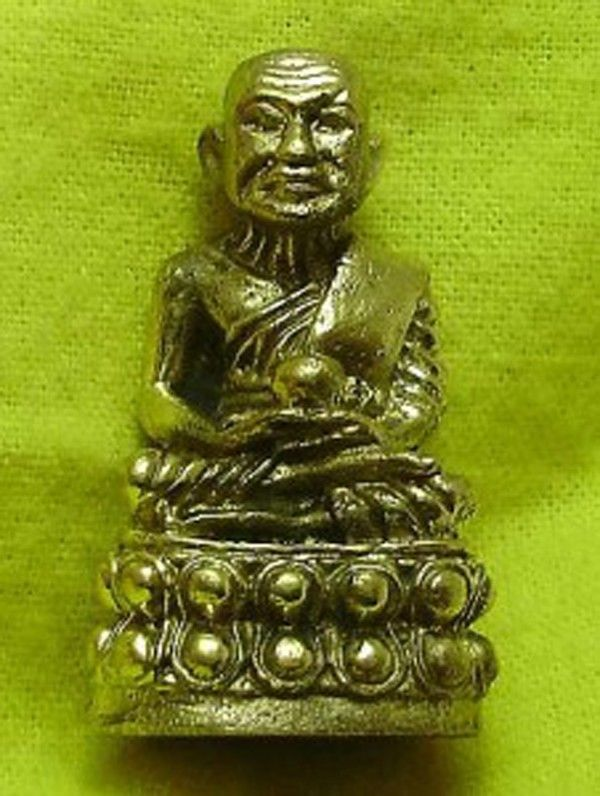 THAI MINI AMULET LP TUAD POO THUAD STRONG PROTECTION REAL BUDDHA LUCKY BLESSING