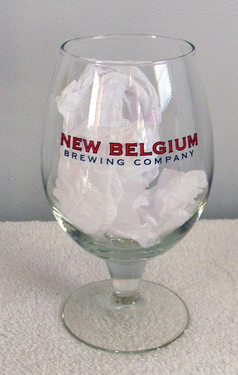 NEW BELGIUM BREWING COMPANY STEMMED BEER GLASS 0,47 L 16 OZ & BOTTLE OPENER