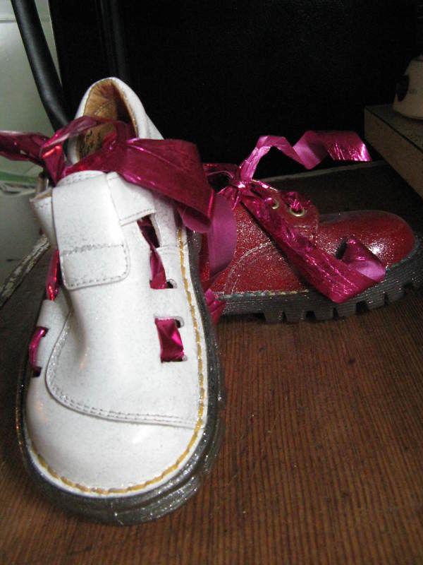sample mismatch kids DOCs Dr Martens boots 9.5 UK8 26 Made in England!