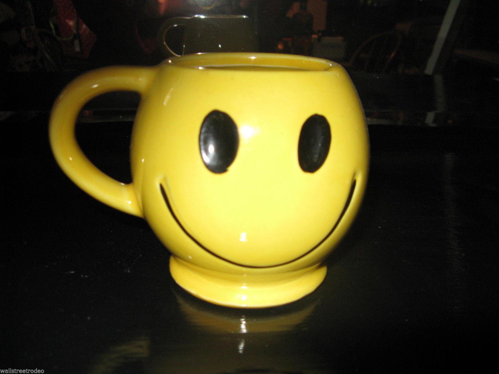 Vintage 70s 1970s McCoy Smiley Face ceramic Coffee Cup Mug USA