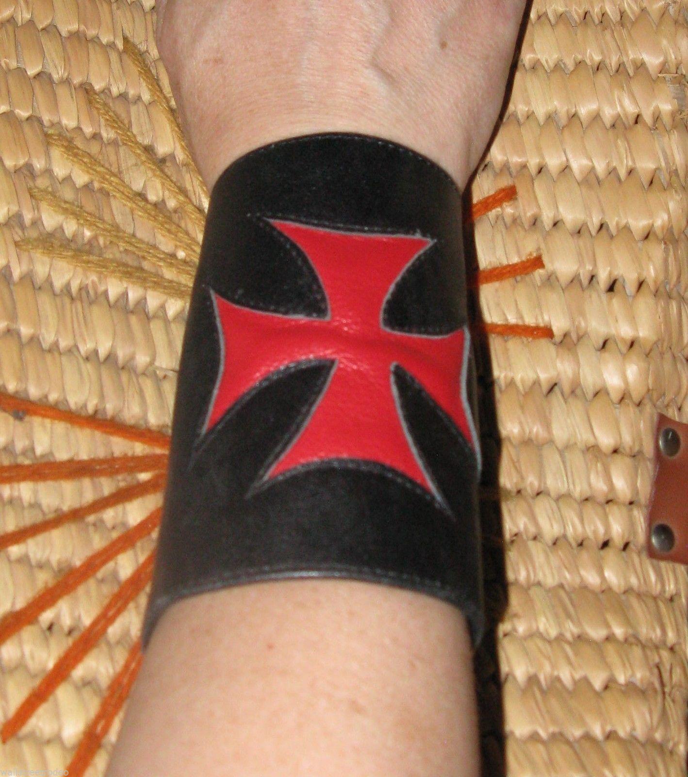 Smakworks Lip Service Iron Maltese Cross leather wristband cuff bracelet XS