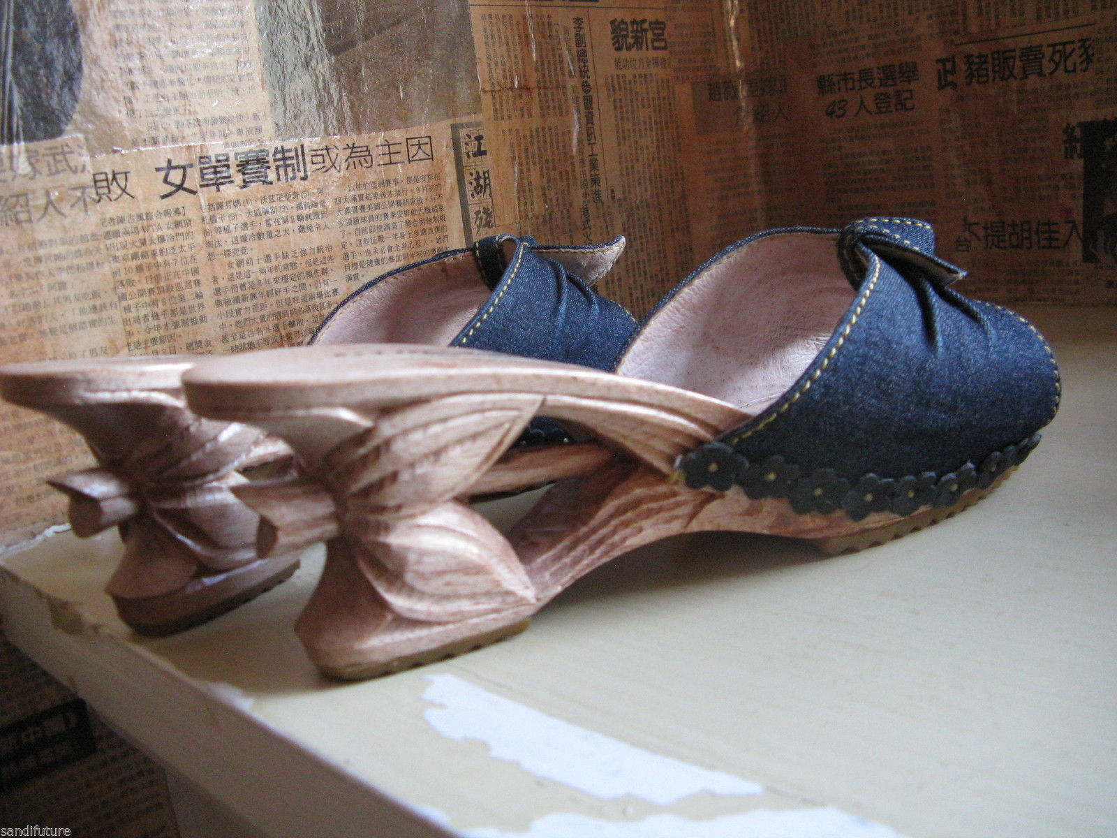 Vintage NWT Betsey Johnson Lucky Lou Tiki carved wooden shoes VLV 7 UK5.5 37 image 3