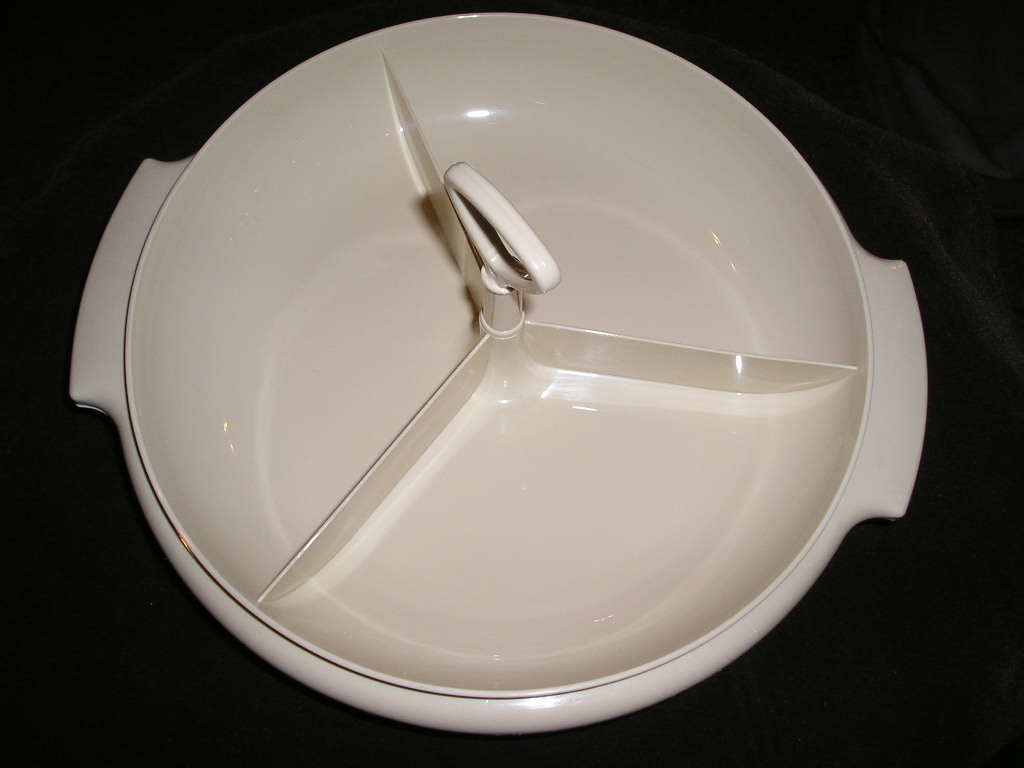 Tupperware divided plate