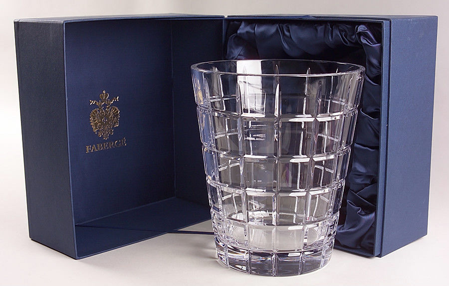 Faberge Metropolitan Clear Pattern Ice Bucket in the original box  image 1