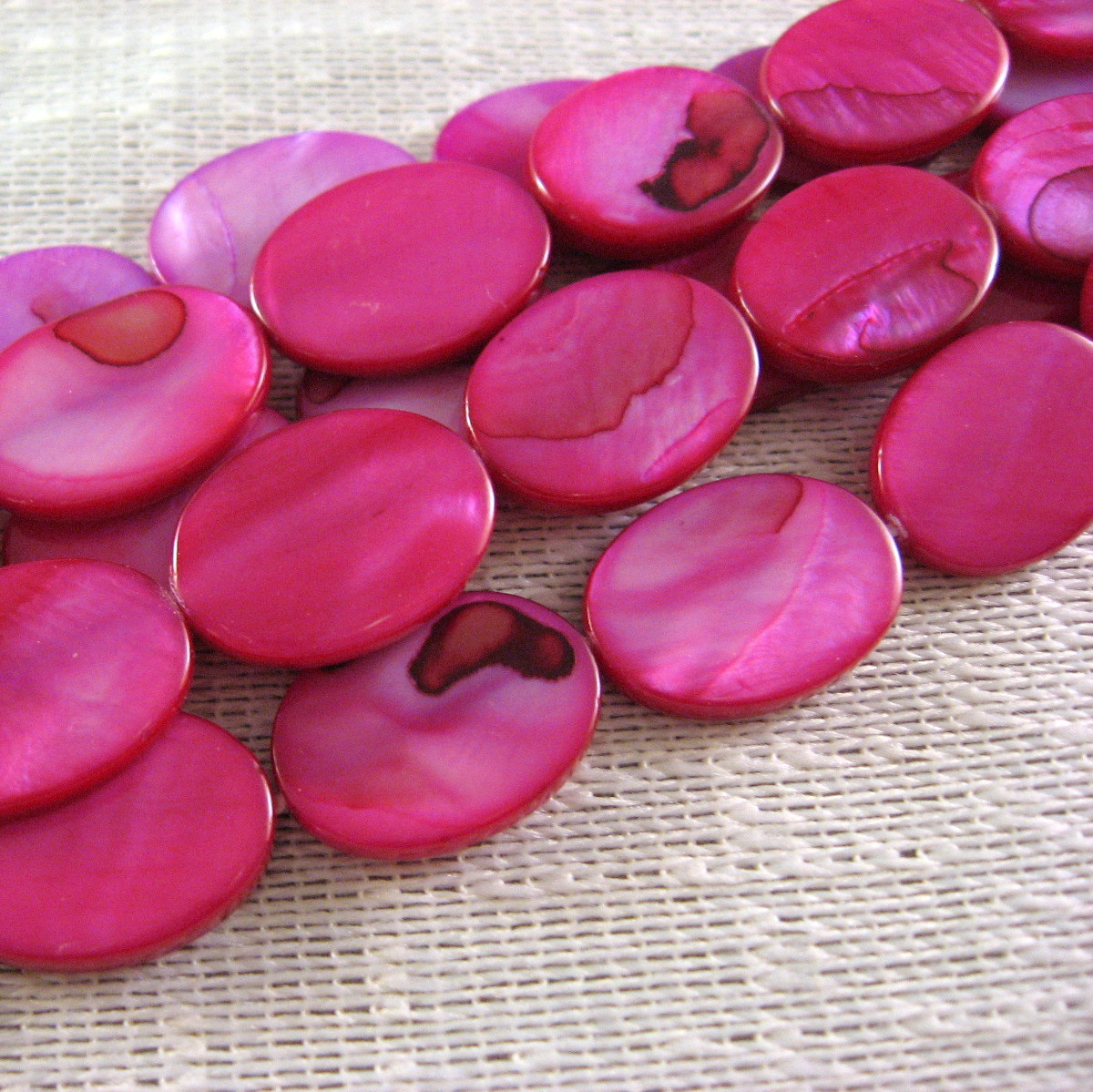 """Fuchsia Pink Mother of Pearl Shell Beads Flat Oval 18mm 1 16"""" str, 22 beads image 2"""