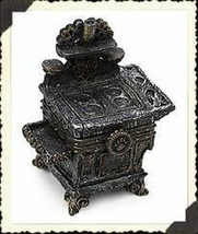 "Boyds Treasure Box ""Aunt Becky's Cast Iron Stove w/ Biscuit"" #392130-New... - $24.99"