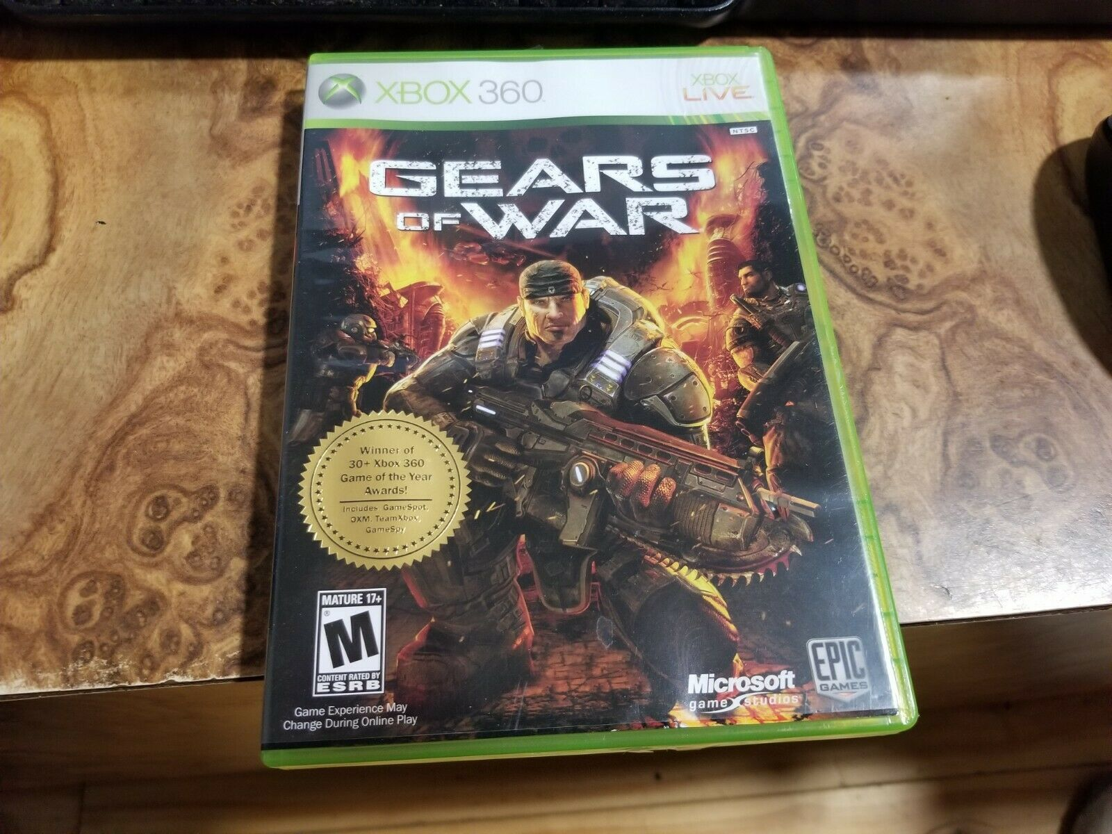 Gears of War (Microsoft Xbox 360, 2006) in box with instructions