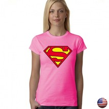 SUPERMAN JUSTICE LEAGUE CLASSIC LOGO SUPERHERO WOMEN JUNIOR FIT PINK T-S... - $15.99