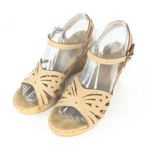 D Magenta Platform Shoe Beige Women Size 7.5 - $27.44