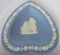VTG 1952 WEDGWOOD Jasperware Blue Ashtray Heart Shape 2 Woman & Elder England - $20.00