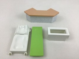 Playmobil 4404 Hospital Building Replacement Pieces Parts Desk Bench Bed H6 - $10.84
