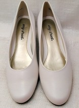 Easy Street Womens Closed Toe Classic Pumps, White, Size 10N image 1