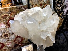 CRYSTAL QUARTZ w/ STAND MINERAL ROCK INCREDIBLE FORMATIONS Sticker $45,000 image 4