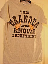 """Gildan Men's """"This Grandpa Knows Everything"""" Small Gray Graphic T-Shirt NEW - $6.97"""