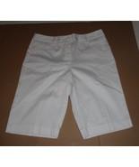 CATO Classic Bermuda White Shorts Ladies SZ 6 NWT - $18.90