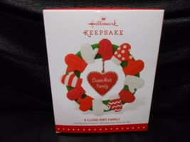 "Hallmark Keepsake ""Close-Knit Family"" 2015 Ornament NEW - $4.36"