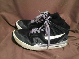 (USED/WORN) NIKE AIR KIDS SIZE 4.5 Y BASKETBALL SHOES BLACK GREY WHITE - $22.76
