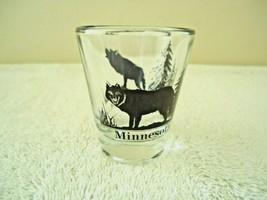 "Vintage Minnesota "" Timber Wolf "" Themed Shot Glass "" BEAUTIFUL COLLECTIBLE ITEM image 1"