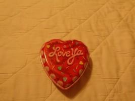 """Love ya"" VALENTINE HEART SHAPED PLASTIC BOX NEW - $6.71"