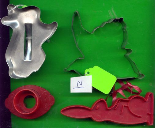 Lot of Metal and Plastic Cookie Cutters .....N
