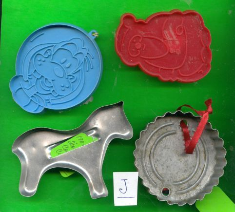 Walt Disneys Goofy Cookie Cutter plus One OLD Metal Lot J