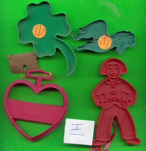 Lot of 5 Plastic Cookie Cutters .....I