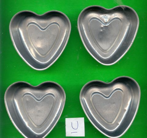 Small Aluminum Heart Pans or Jello Molds..Lot U