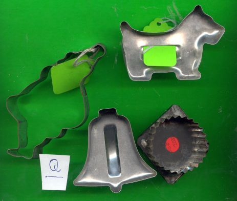 Aluminum Cookie Cutters w/Scottie dog.....Lot Q
