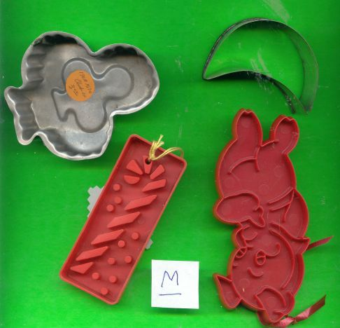 Lot of Aluminum and Plastic Cookie Cutters .....M