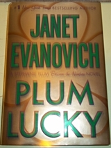 Plum Lucky(Stephanie Plum Between the Numbers) Janet Evanovich 1st ed Ha... - $5.00