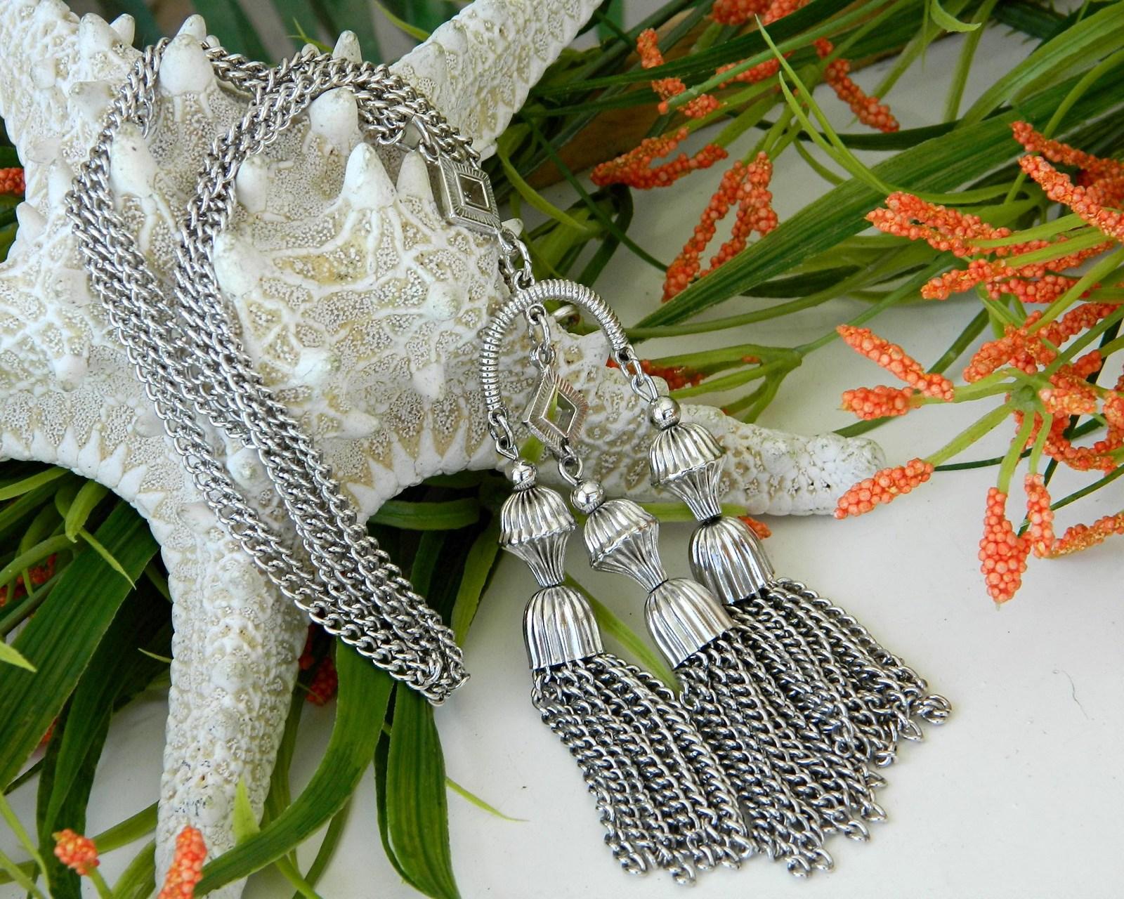 Vintage Crown Trifari Triple Tassel Pendant Necklace Silver