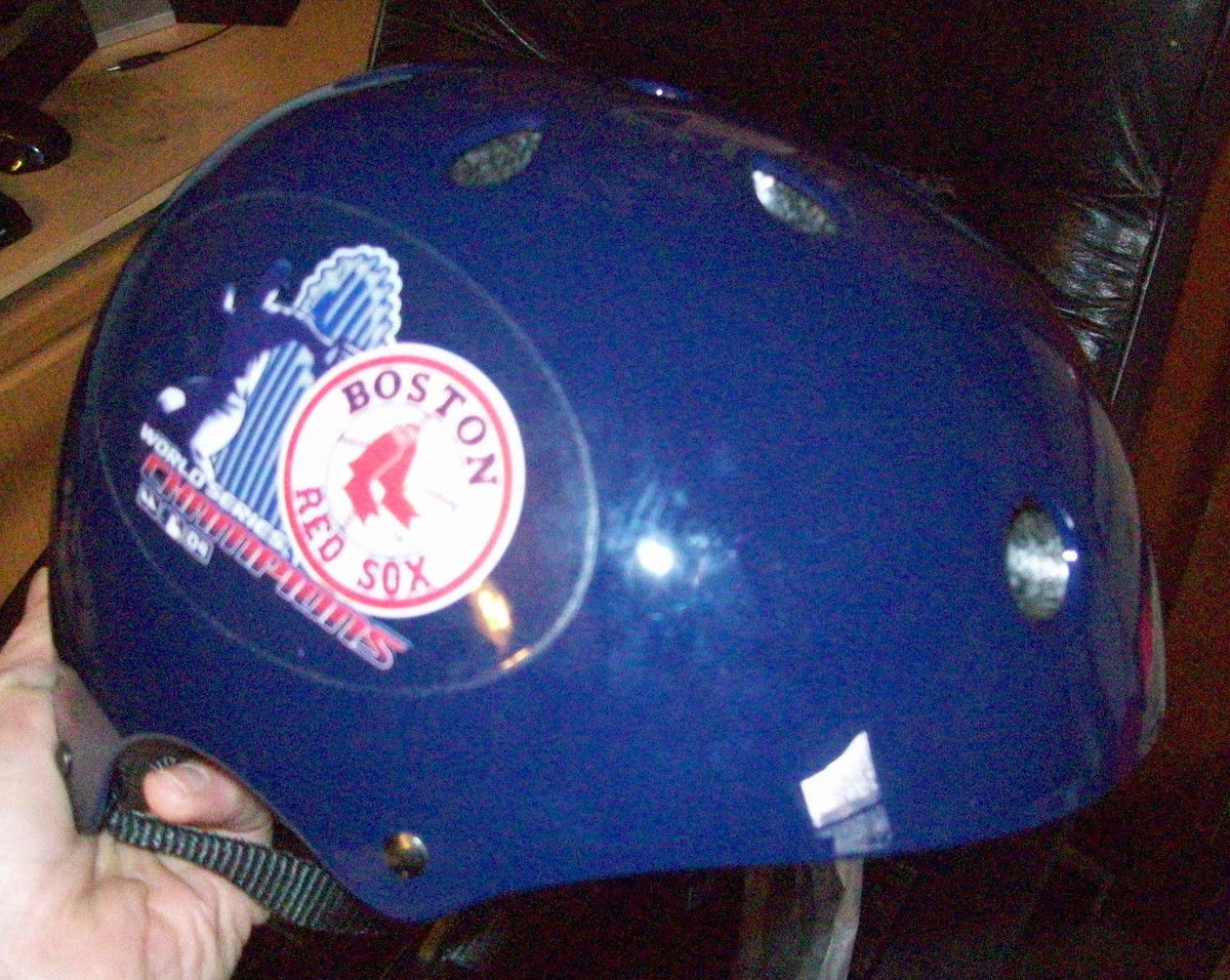 ONell Multi Sport Helmet Boston Red Sox World Series 2004 MLB Size Small 54-56cm