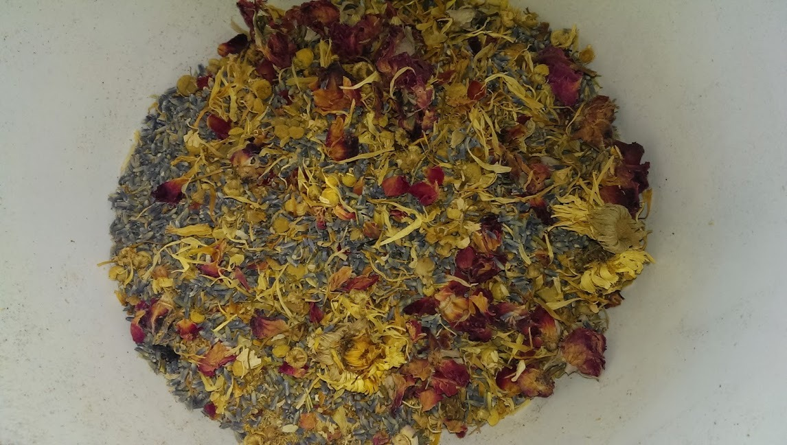 Primary image for lb UNSCENTED FLORAL MEDLEY POTPOURRI Mix Dried Flower Botanical 100% All Natural