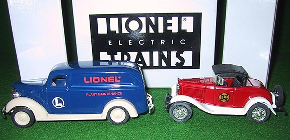 Eastwood 292000W Lionel 2 Car Ertl Chevrolet & Ford Set 1:43