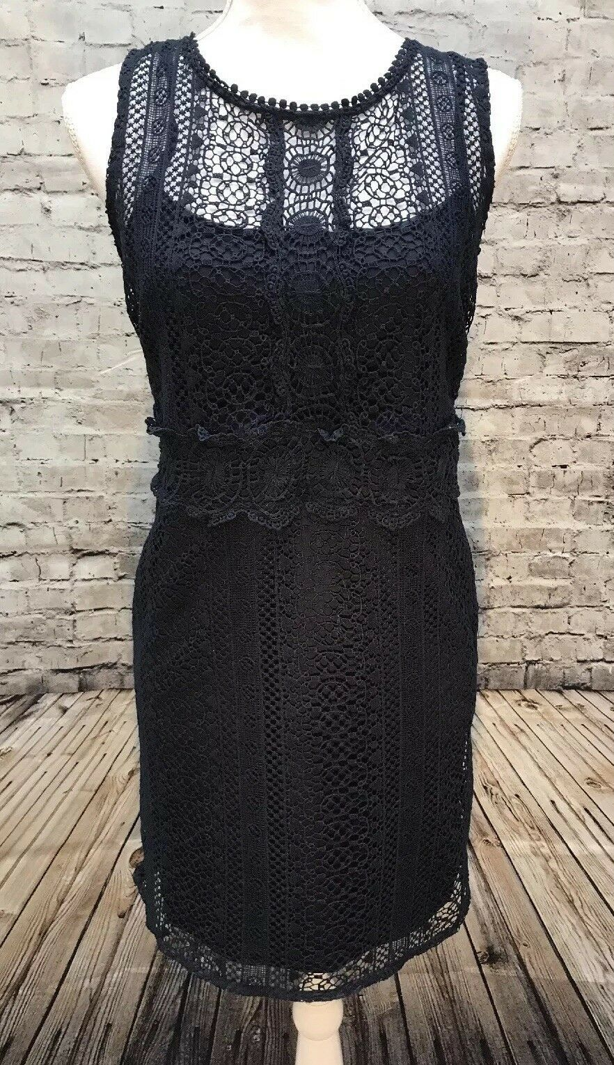 Primary image for Romeo & Juliet Couture Sleeveless Crochet Sheath Dress Women's Size Medium