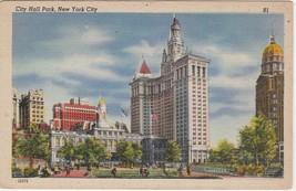 1945 New York City City Hall Park Postcard Linen Colourpicture - $3.34