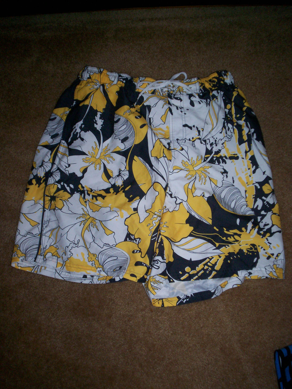 MEN'S NIKE hawaiian PRINT BOARDSHORTS SHORTS WHITE/YELLOW ...