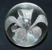 Vintage White Flower & Bubbles Glass Paperweight - $12.75