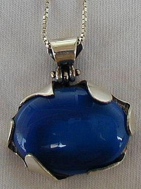 Blue agate pendant a