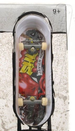 TECH DECK BROOKLYN BANKS STREET SPOTS JAVIER NUNEZ FINGER SKATEBOARD RAMP SET 9+