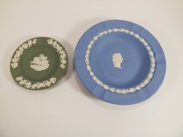 "Pair Of Wedgwood Ashtrays 7"" Blue Portrait & 4 3/8 Green Chariot W/DRIVER - $19.99"
