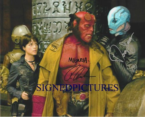 Primary image for HELLBOY SIGNED AUTOGRAPHED AUTOGRAM RP PHOTO RON PERLMAN MIKE MIGNOLA DOUG JONES