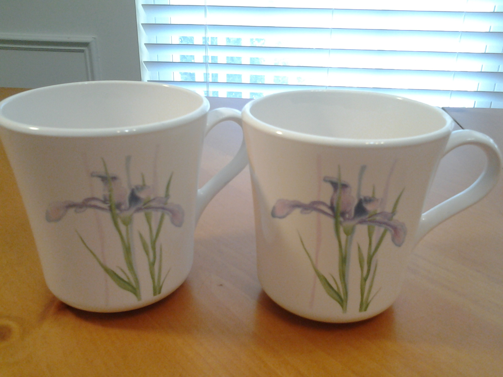 "Corelle Blue Iris Mugs (2)  , 3.5"" Tall & 3.25"" Diameter, EUC"