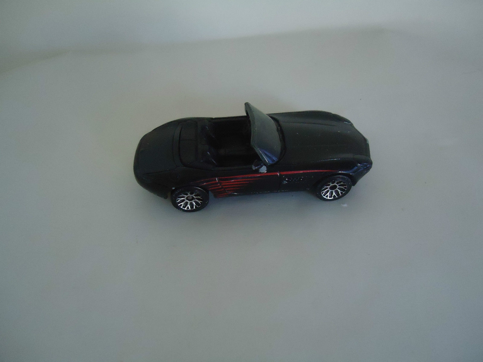 Primary image for 2001  MATCHBOX BMW Z8 DIECAST CabrioMatchbox 2001 BMW Z8 Cabriolet