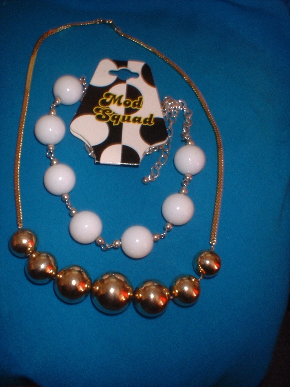Mod squad bead necklace gold tone beads lot